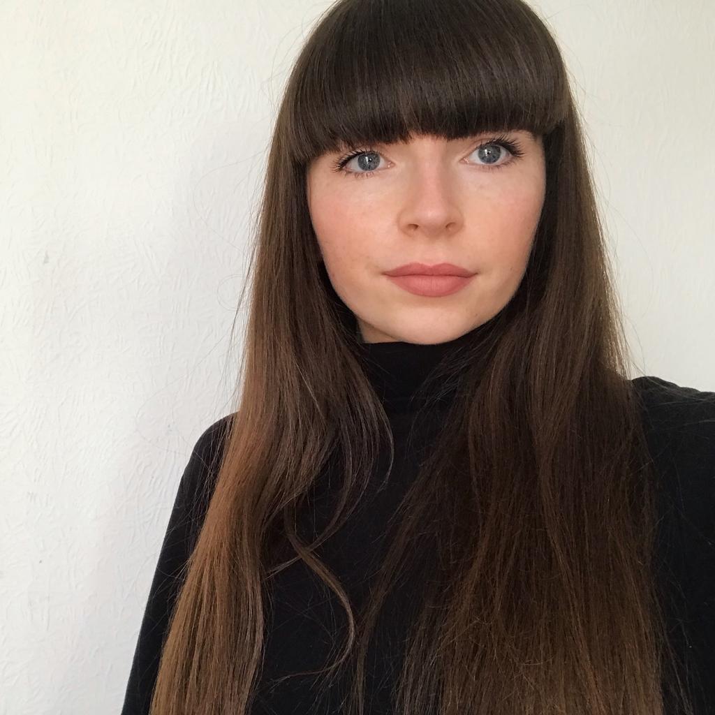 Profile photo for Aine Mckenny