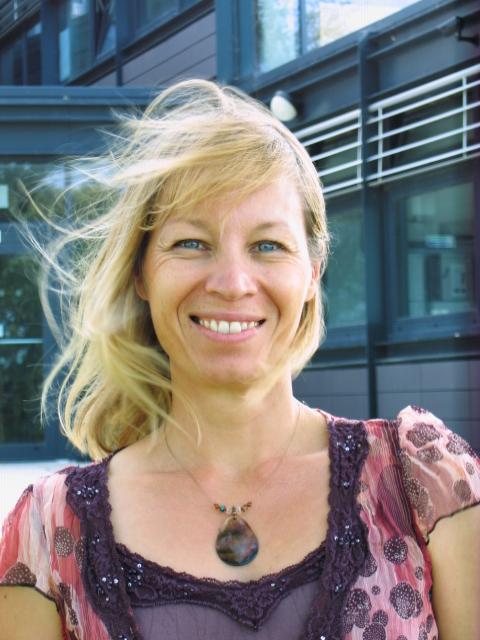 Profile photo for Dr Alison Barnes