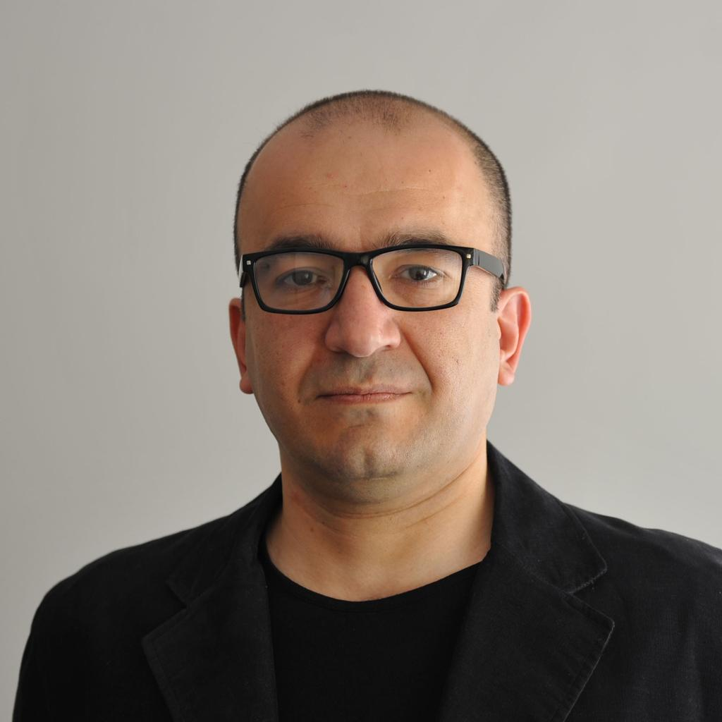 Profile photo for Dr Poorang Piroozfar